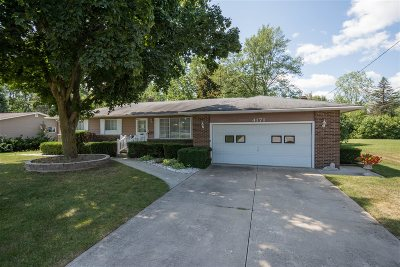 Flushing Single Family Home For Sale: 4171 Marianne Drive