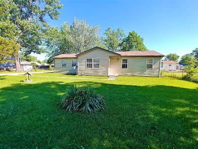 Flint Single Family Home For Sale: 1063 Lincoln Drive