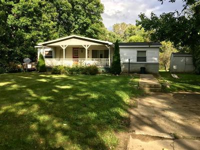 Flushing Single Family Home For Sale: 3218 Amelia Avenue