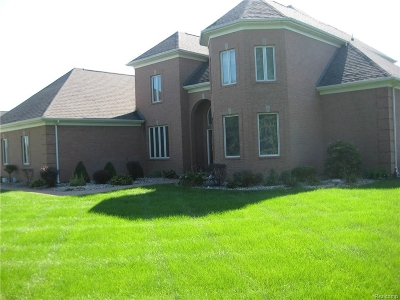 Flushing Single Family Home For Sale: 2410 Wyndcrest Drive