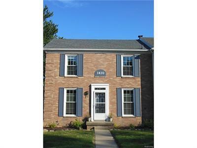 Flushing Single Family Home For Sale: 1410 Cedarwood