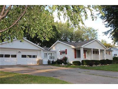 Flint Single Family Home For Sale: 2486 Betty