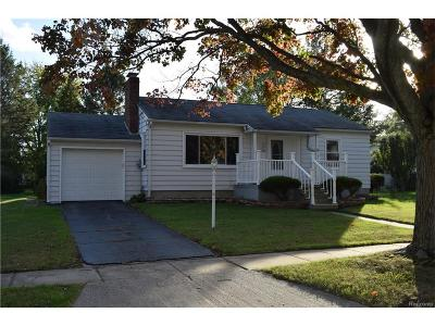 Flushing Single Family Home For Sale: 1216 Beatrice