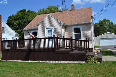 Flint Single Family Home For Sale: 3032 Covert Road