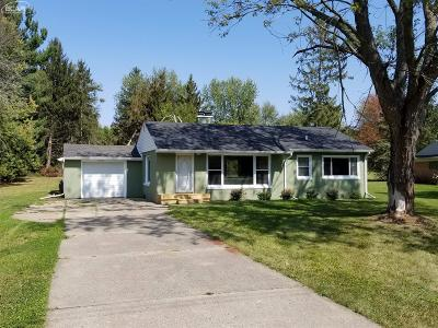 Mt. Morris Single Family Home For Sale: 6452 Garden Drive Drive