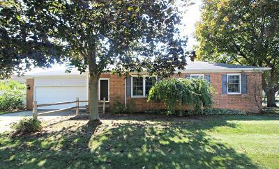 Flushing Single Family Home For Sale: 400 Cedarwood Drive