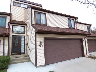 Flushing Single Family Home For Sale: 556 Oakbrook Circle