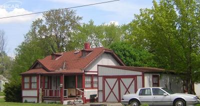 Flint Single Family Home For Sale: 2320 Branch Rd