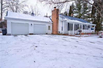 Flushing Single Family Home For Sale: 6107 River Rd