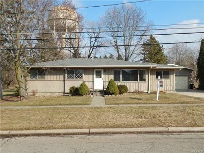 Flushing Single Family Home For Sale: 520 Sunnyside