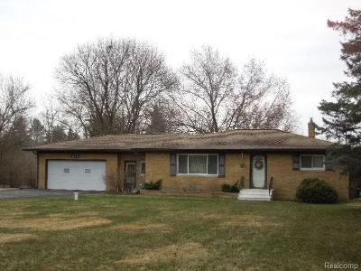 Flint Single Family Home For Sale: 1199 W Maple Ave W