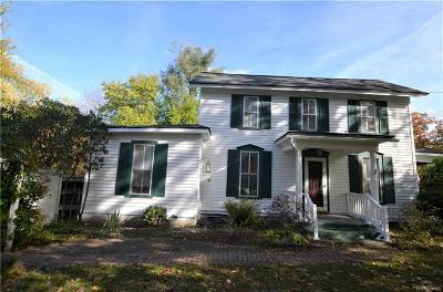 Flushing Single Family Home For Sale: 402 N McKinley Rd