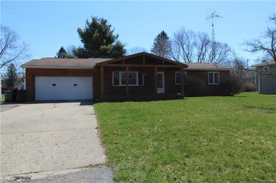 Flushing Single Family Home For Sale: 5440 River Ridge Dr