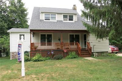 Flushing Single Family Home For Sale: 310 Chamberlain St
