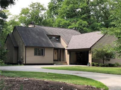 Flushing Single Family Home For Sale: 1120 E Main St