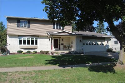 Flushing Single Family Home For Sale: 515 Cherrywood Dr