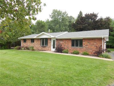 Flushing Single Family Home For Sale: 5050 Tahquamenon Trl