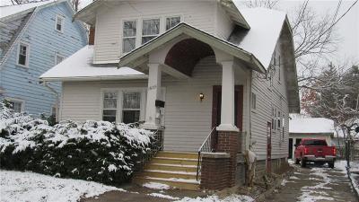 Flint Single Family Home For Sale: 1605 Kearsley Park Blvd