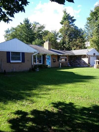 Flint Single Family Home For Sale: 7088 Brewer Rd