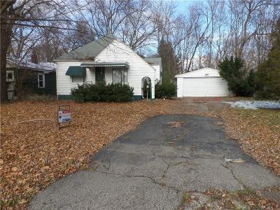 Flint Single Family Home For Sale: 2421 Churchill Ave