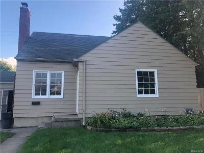 Flint Single Family Home For Sale: 2402 Hills St
