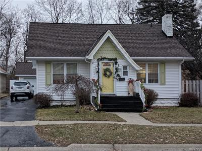 Flushing Single Family Home For Sale: 314 Myrtle St N
