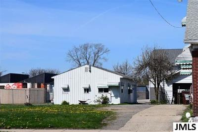 Jackson County Commercial/Industrial For Sale: 816 N Francis St