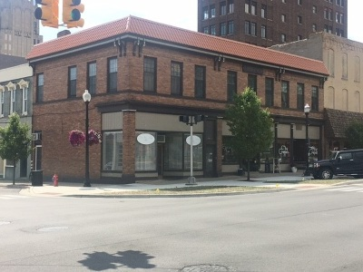 Commercial/Industrial For Sale: 137-145 N Jackson St