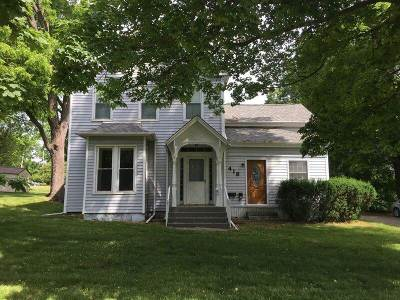 Hillsdale County Single Family Home For Sale: 418 W Chicago St