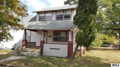 Single Family Home Contingent - Financing: 1229 First St