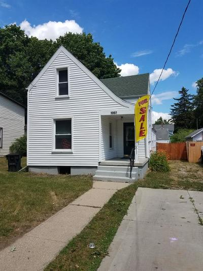 Single Family Home For Sale: 1007 Backus St
