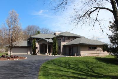 Jackson County, Lenawee County, Hillsdale County Single Family Home For Sale: 2200 Kenilworth Rd