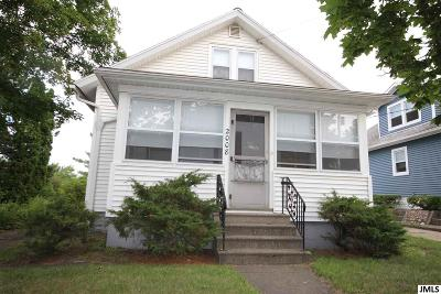 Jackson MI Single Family Home Contingent - Financing: $45,000
