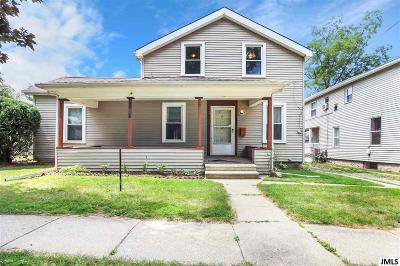 Single Family Home For Sale: 204 Elizabeth St