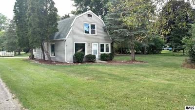 Jackson MI Single Family Home For Sale: $134,500