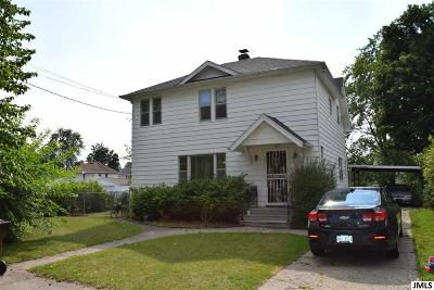 Jackson MI Single Family Home For Sale: $84,000