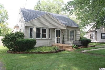Jackson MI Single Family Home For Sale: $129,900