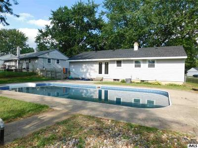 Single Family Home For Sale: 5551 Dogwood