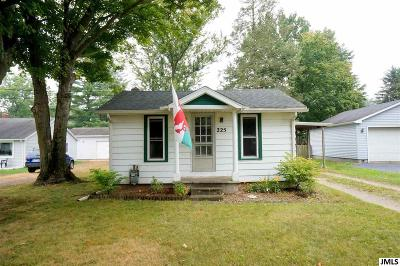 Single Family Home For Sale: 225 Second St