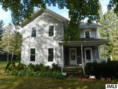 Single Family Home For Sale: 210 S Main St