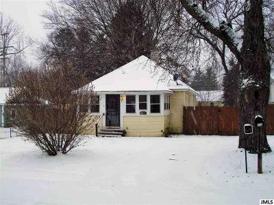 Jackson MI Single Family Home For Sale: $57,900