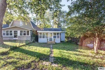 Single Family Home For Sale: 411 Hinckley Blvd