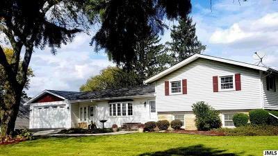 Single Family Home For Sale: 5550 Jefferson Rd