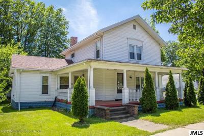 Leslie Single Family Home For Sale: 213 W Bellevue