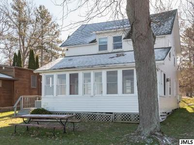 Clarklake MI Single Family Home For Sale: $215,000