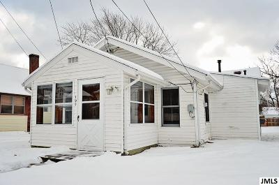 Single Family Home For Sale: 105 E Meadow Heights