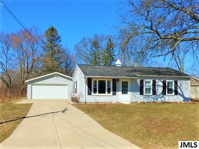 Single Family Home For Sale: 156 W Southfield Dr