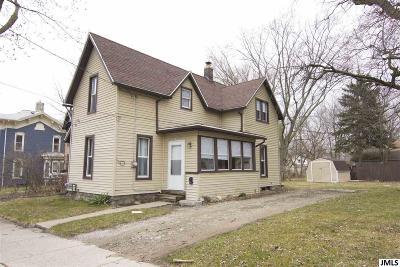 Jackson MI Single Family Home For Sale: $67,100