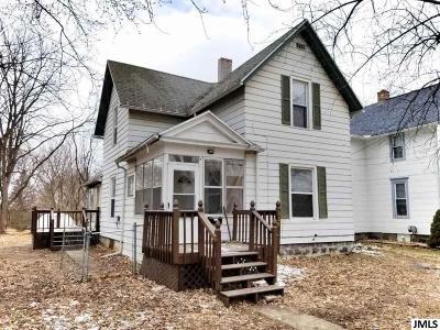 Jackson MI Single Family Home For Sale: $65,000