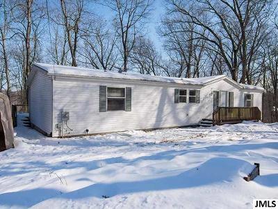 Jackson MI Single Family Home For Sale: $130,000